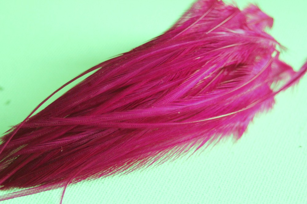 plume de cheveux rose fushia 8 10 cm. Black Bedroom Furniture Sets. Home Design Ideas